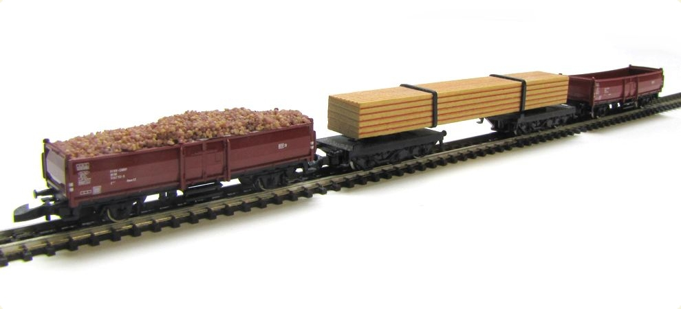 MÄRKLIN 8622/8619 Set 2x Hochbordwagen 1x Drehgestellwagen Ladung ...